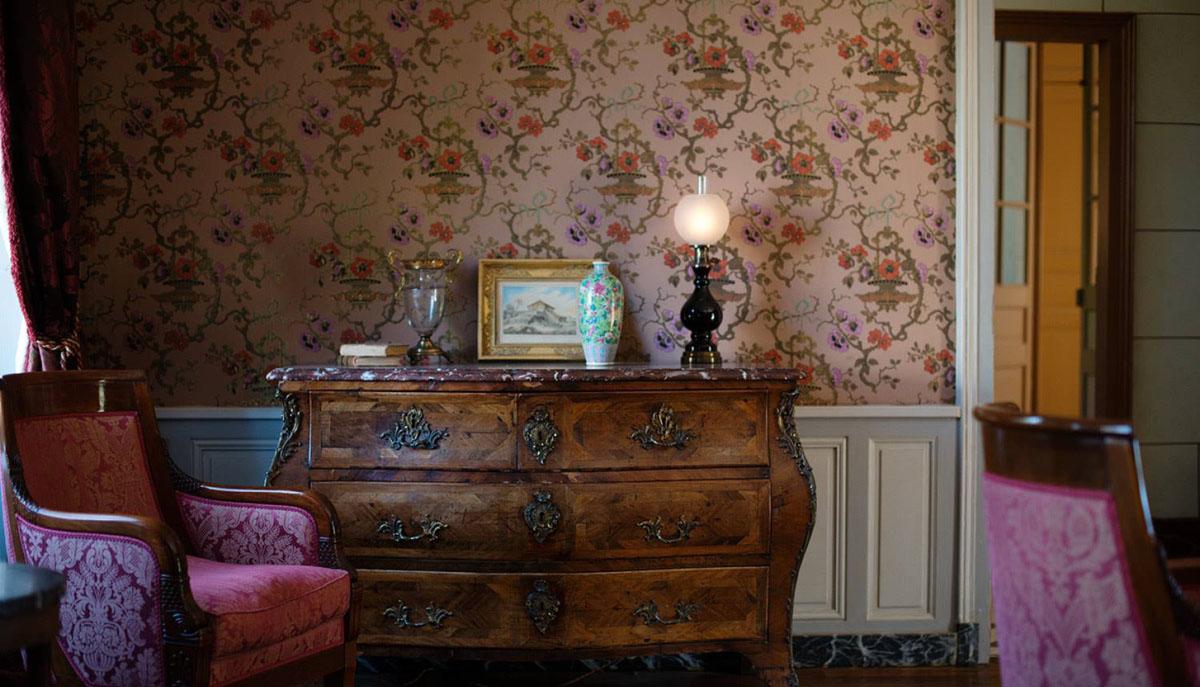 Atelier d'Offard - Restauration de différents papiers pour la maison Colette, devenu un musée.